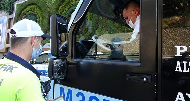 Para cezası kesilen minibüs şoförü: 'Cezayı yedim afiyet olsun. Allah yemeyenlere de yemeyi nasip etsin'