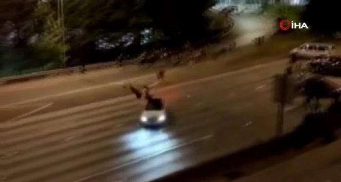 ABD'de göstericilerin üzerine araç sürüldü: 2 yaralı
