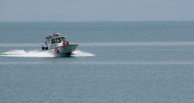 Van Gölü'nde 2 ceset daha bulundu