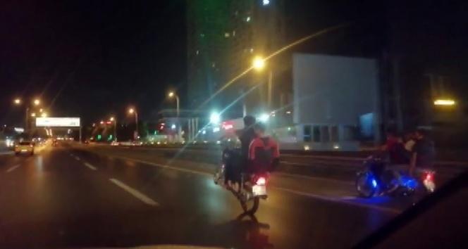 Motosiklet sürücülerinin tehlikeli oyunu