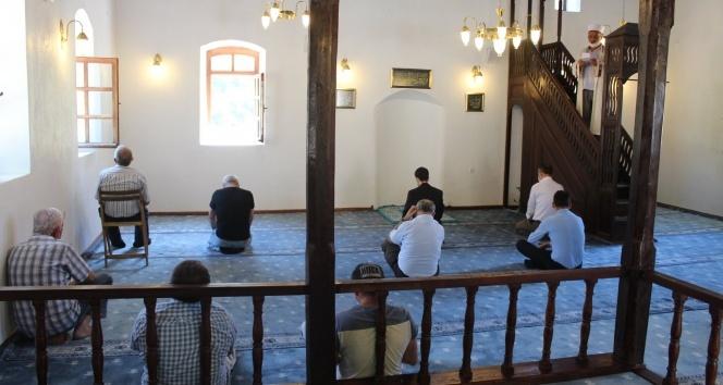 Tarihi camide 15 yıl sonra namaz kılınmaya başlandı