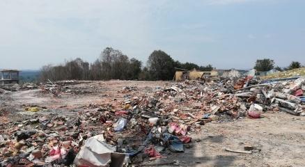 Patlamanın olduğu bölgedeki kimyasal atıklar boşaltılıyor