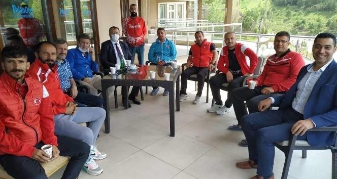 Atletlerin Protokol Mesaisi - Erzurum