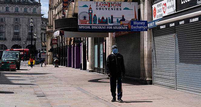 İngiltere'de müşterilerde korona tespit edildi, bazı işletmeler yeniden kapandı