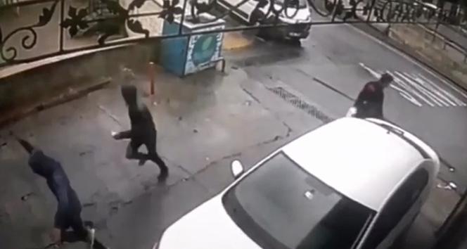 İstanbul'un göbeğinde güpegündüz kapkaç dehşeti