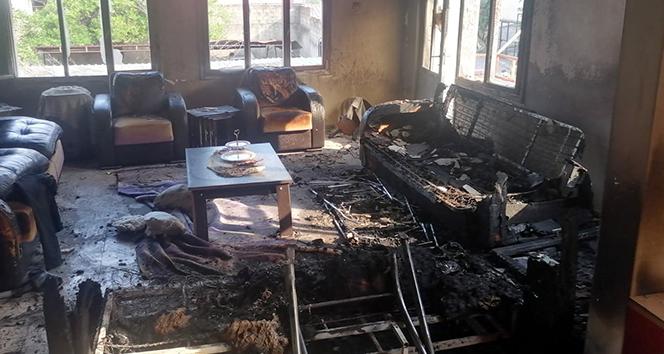 Gece yanan ev gündüz yeniden alev aldı