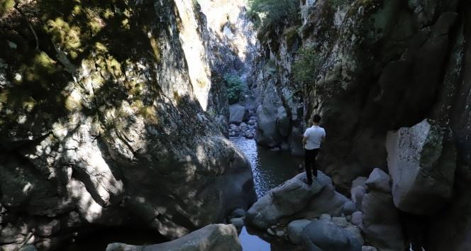 Keşfedilmeyi bekleyen kanyon görüntülendi