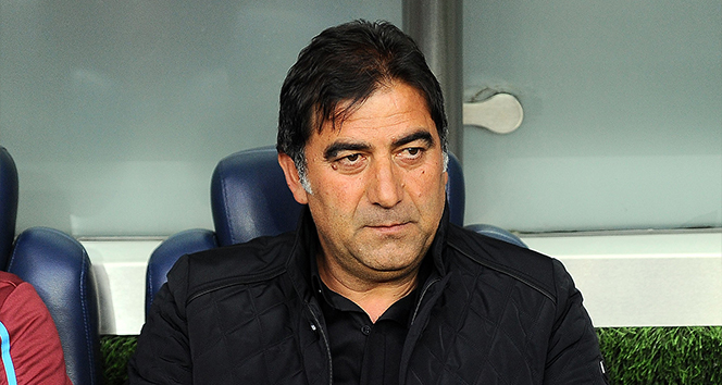 Çaykur Rizespor Teknik Direktörü Ünal Karaman istifa etti