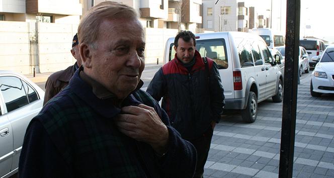 Huysuz Virjin olarak tanınan Seyfi Dursunoğlu hayatını kaybetti