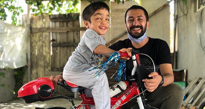 Ramazan öğretmen çocukların bisiklet hayalini gerçeğe dönüştürdü