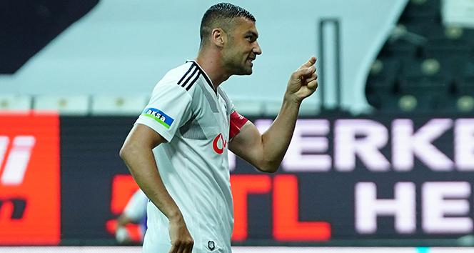 Burak Yılmaz'a Beşiktaş'tan izin çıktı