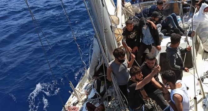 Marmaris açıklarında 63 sığınmacı kurtarıldı