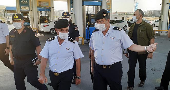 Jandarma Genel Komutanı Çetin: 'Covid-19 ile mücadele Türkiye'de son derece iyi durumda'