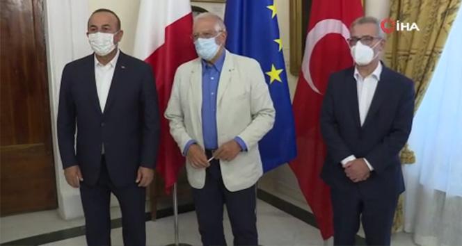 Bakan Çavuşoğlu'ndan Malta'da üçlü görüşme
