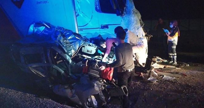 Düğün yolunda feci kaza, damatla birlikte 4 kişi öldü