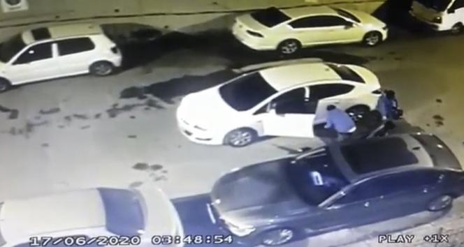 Kağıthane'de maskeli hırsızlar park halindeki aracın teybini çaldı