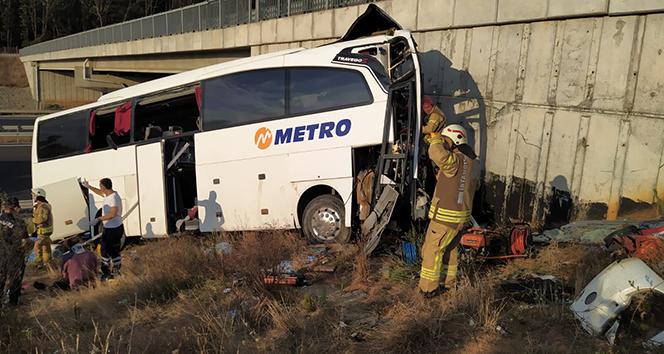 Eyüpsultanda yolcu otobüsü yoldan çıktı: 5 ölü, 26 yaralı