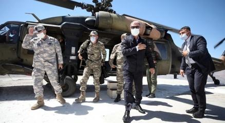 Bakan Akardan Irak sınırına ziyaret