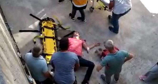 Motosiklet sürücüsü 4 metre yükseklikten beton zemine çakıldı