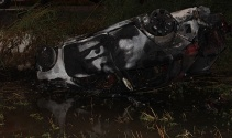 Kaza yapan aracın sürücüsü yanarak can verdi