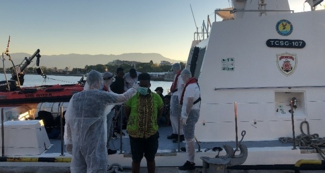 İzmir'de 103 sığınmacı kurtarıldı