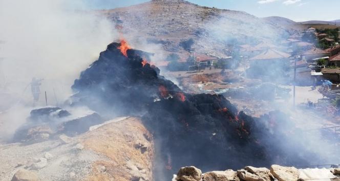 Samanlık yangınında 15 bin TL'lik maddi hasar meydana geldi