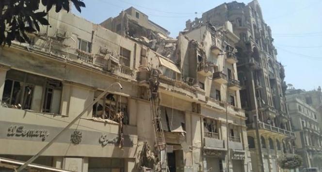 Mısır'da bina çöktü: En az 4 yaralı