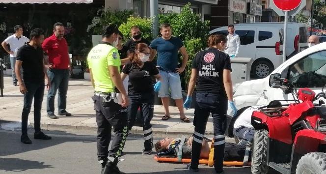 Araca çarpan ATV sürücüsü ölümden döndü