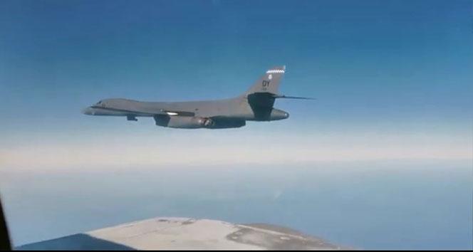Rus ve ABD uçakları Uzak Doğu'da karşı karşıya geldi