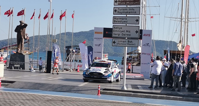 Gençlik ve Spor Bakanı Kasapoğlu Dünya Ralli Şampiyonası'na start verdi