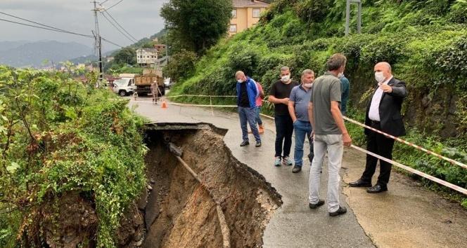 Rize'de şiddetli yağmur heyelanlara neden oldu