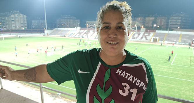 Süper Lig'in tek kadın amigosu, yeniden tribünlere kavuşmak istiyor
