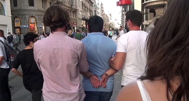 Taksimde genç kadını takip eden kişi güven timlerince yakalandı