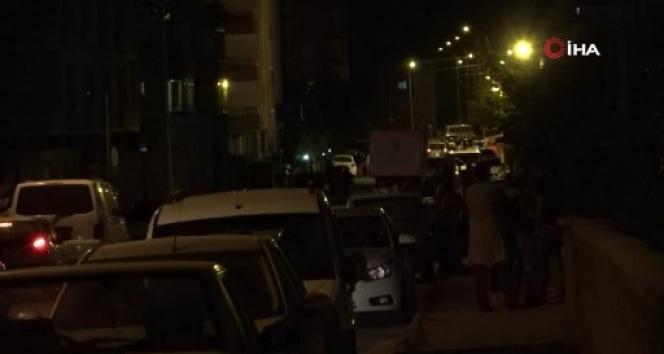 5.1 büyüklüğündeki deprem sonrası vatandaşlar sokağa döküldü