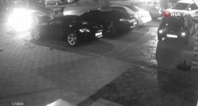 Lüks otomobillerin farlarını hedef alan hırsızlar yakalandı