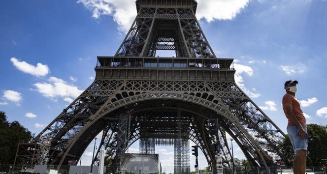 Eyfel Kulesi yeniden ziyarete açıldı