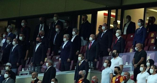 Başkanlar derbiyi beraber izliyor