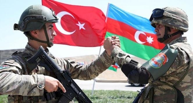 Azerbaycan'ın Türkiye'ye destek için gönderdiği ekip yola çıktı