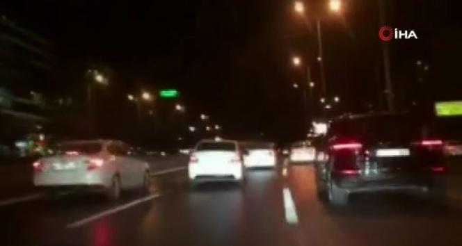 Avcılar'da makas atarak trafikte tehlike saçan magandalar yakalandı