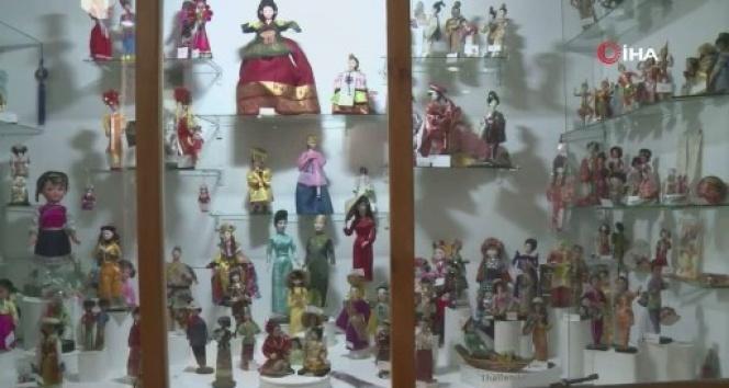 Faslı gezgin, 91 ülkeden aldığı 2 bin 500 oyuncak bebeği müzede sergiliyor