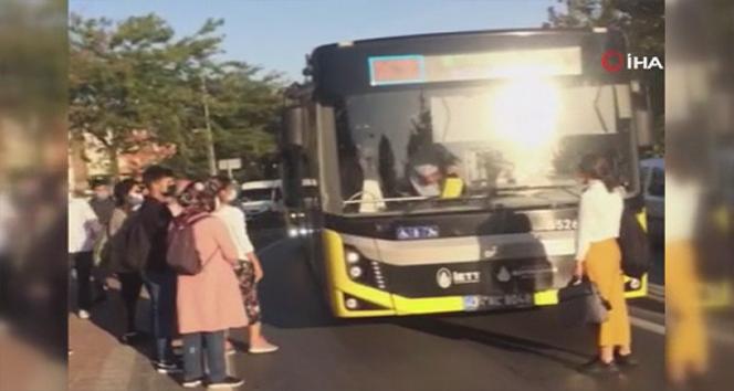 Esenler'de doluluk yüzünden binemediği gerekçesiyle bir kadın otobüsün önünü kesti