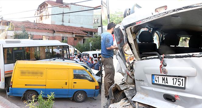 Direksiyon başında kalp krizi geçiren sürücü 3 araca çarpıp hayatını kaybetti