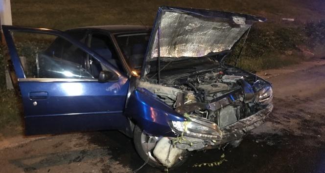 TEM Otoyolu'nda sürücü kaza yaptı: 2 yaralı