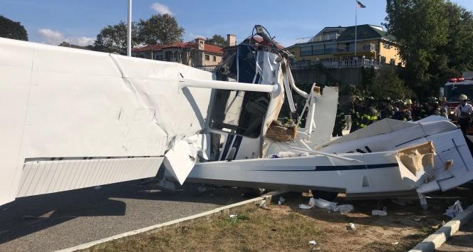 ABD'de küçük uçak düştü: 1 ölü, 2 yaralı