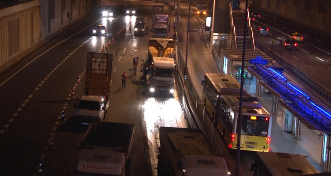 Edirnekapı metrobüs durağında yenileme çalışması