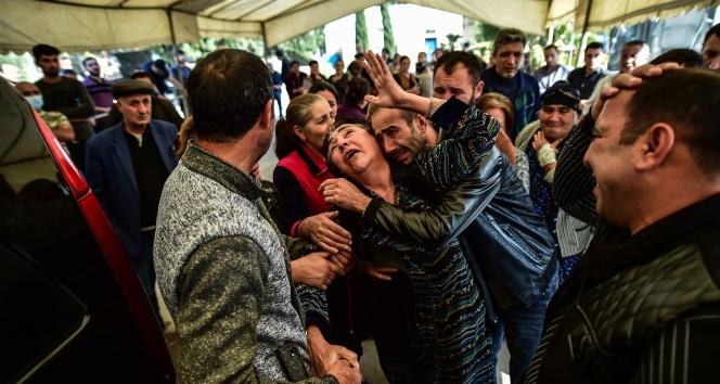 Gence'de füze saldırısında hayatını kaybeden siviller son yolculuğa uğurlandı