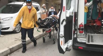 Avcılarda komşular arası kavgada baltalı dehşet: 2 yaralı