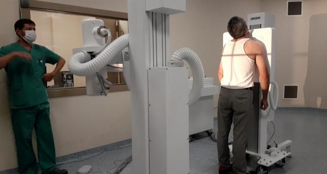Covid-19 pandemisi ile mücadele eden Kartal DR. Lütfi Kırdar Şehir Hastanesi'ne dijital röntgen cihazı bağışı