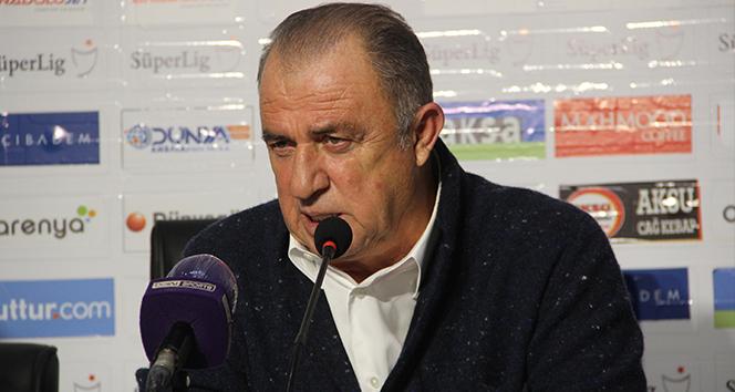 Fatih Terim: '3 puan bize iyi geldi ama Falcao'yu kaybettiğimize üzgünüz'