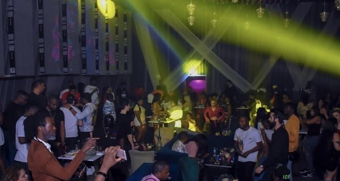 Esenyurt'ta gece kulübünde skandal görüntüler